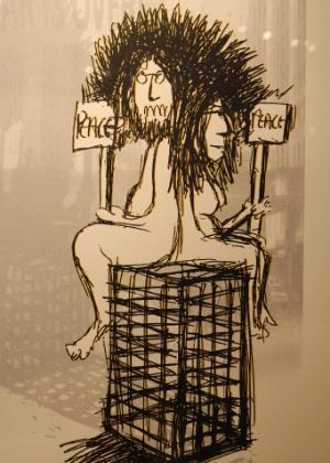 """Desenho """"Paz, Paz"""", de John Lennon, que faz parte da exposição """"A Arte de John Lennon"""" em galeria do Soho em Nova York (4/10/12) - EFE / Jessica Martorell"""