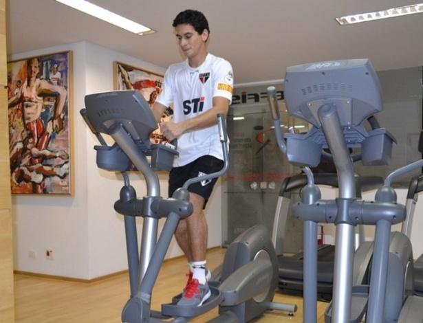 Paulo Henrique Ganso faz fisioterapia por 8 horas diárias no Reffis do São Paulo