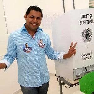 7.out.2012 - Gay e nascido em favela,Tiago Silva foi o candidato a vereador que teve mais votos em Florianópolis