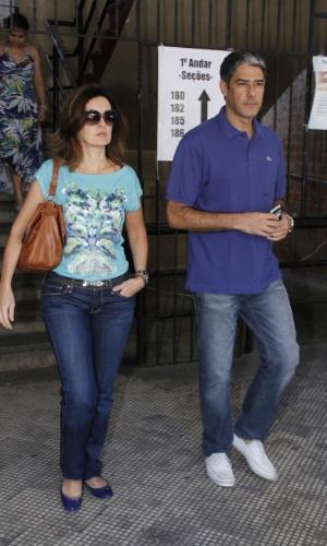 William Bonner e Fátima Bernardes votam nesta manhã na Barra da Tijuca