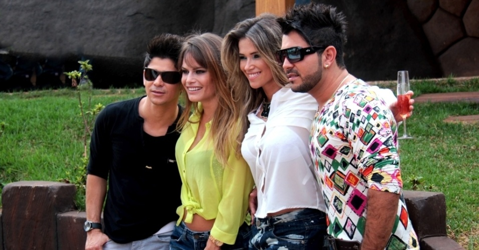 As ex-BBBs Fani Pacheco e Natália Cassassola gravam participação no clipe