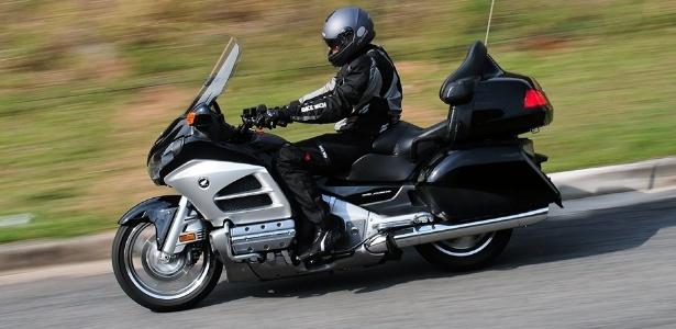 Topo de linha da gama de motos da Honda no Brasil, a GL 1800 Gold Wing 2012 custa a partir de R$ 92 mil