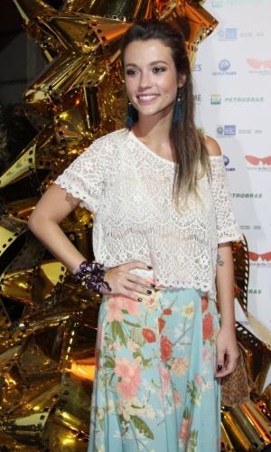 """Juliana Didone chega à exibição do filme """"Dores de Amores"""" (7/10/12)"""