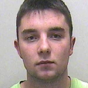 """Matthew Woods, 19, admitiu durante o julgamento ter publicado """"""""piadas"""""""" em seu perfil no Facebook  sobre as duas meninas desaparecidas - Reprodução"""