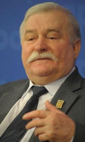 1983 - Lech Walesa (Polônia) - Então líder sindical, foi premiado pela luta a favor dos direitos dos trabalhadores e contra a opressão do regime comunista