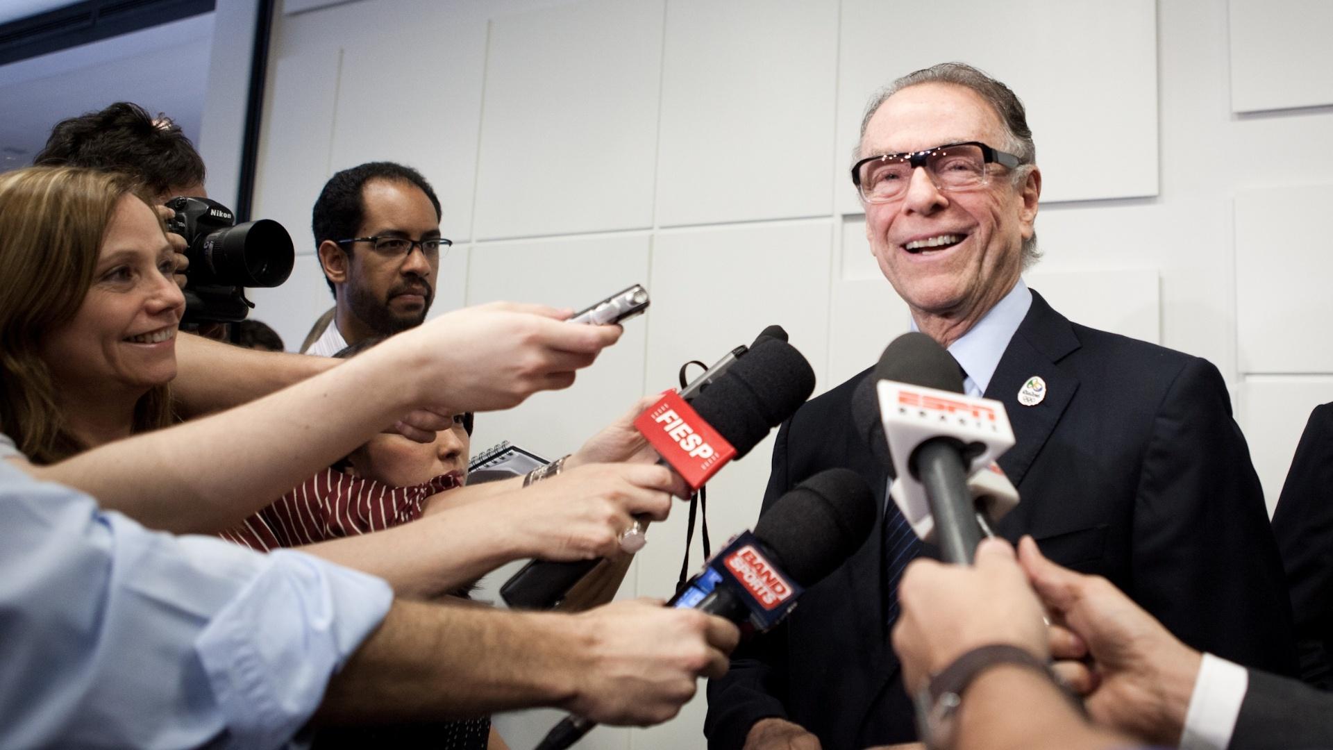 Carlos Arthur Nuzman concede entrevista após palestra na Fiesp (09/10/2012)