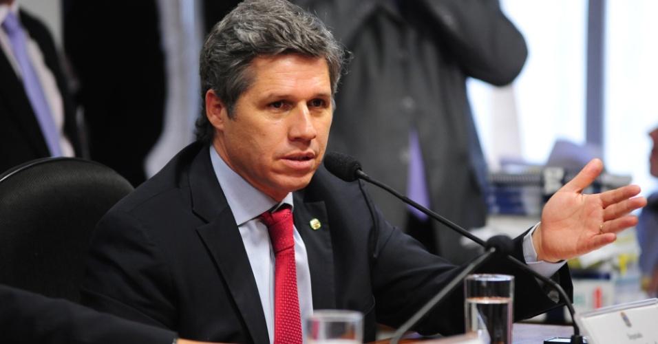 9.out.2012 - Deputado federal Paulo Teixeira (PT/SP) interroga deputado federal Carlos Alberto Leréia (PSDB-GO) na CPI do Cachoeira