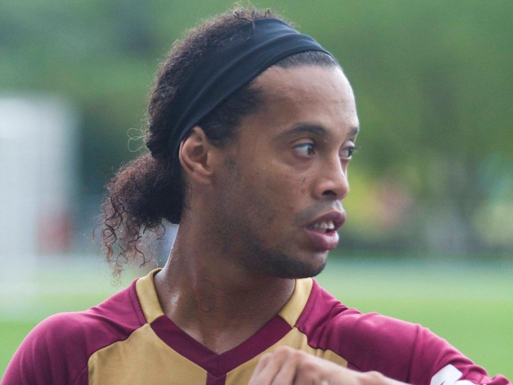 Ronaldinho Gaúcho durante treino do Atlético-MG em Porto Alegre