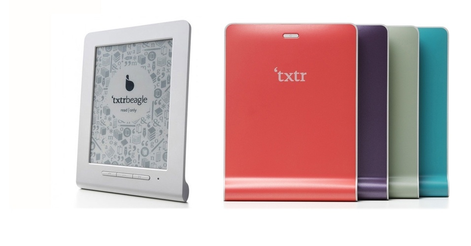 10.out.2012 - Você compraria um e-reader se ele custasse apenas US$ 13 (cerca de R$ 26)? Essa é a proposta da empresa alemã Txtr. Chamado de Txtr Beagle, o leitor de livros digitais pode ser considerado um dos mais baratos do mundo em sua categoria. Com apenas 127g, o e-reader vem com tela de 5 polegadas e 4GB para armazenamento. Mas, em vez de carregador, o gadget usa pilhas AAA