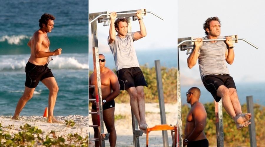 """Domingos Montagner se exercitou pela praia da Barra da Tijuca, zona oeste do Rio (10/10/12). O ator está no elenco de """"Salve Jorge"""" que estreia dia 22 de outubro"""