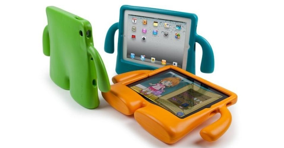 """Por US$ 40 (cerca de R$ 80), você pode adquirir a capa protetora para iPad chamada """"iGuy"""", da Speck. O acessório é capaz de deixar o iPad em pé e ainda protege contra danos. Disponível para todos os modelos do gadget"""