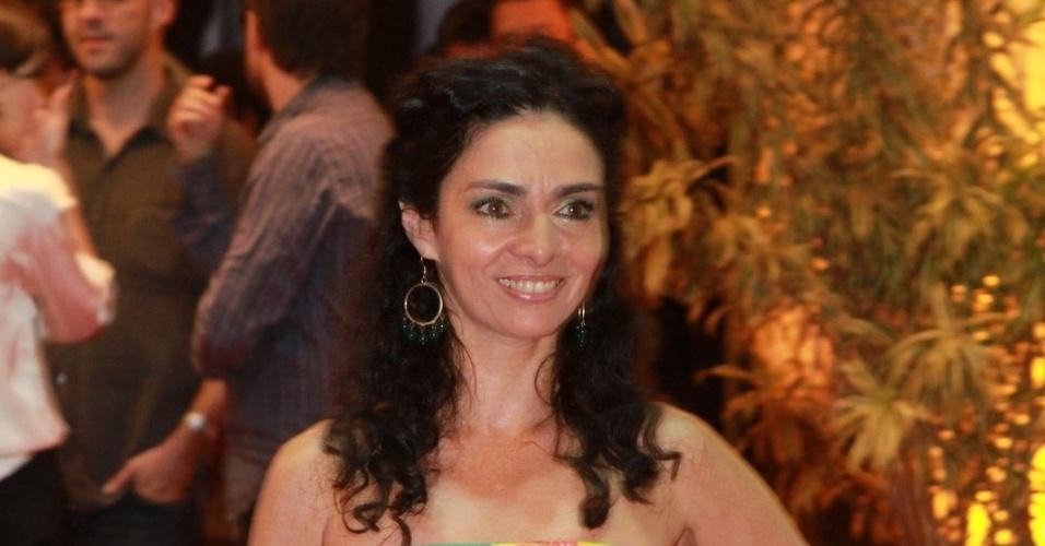 A atriz Claudia Ohana prestigiou a cerimônia de premiação do Festival do Rio no Cine Odeon BR, centro do Rio (11/10/12)