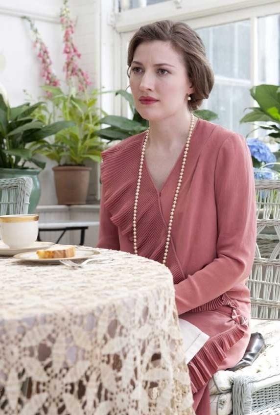 """A pesonagem Margaret Schoroder (Kelly Macdonald) é uma mulher jovem que se torna amante do personagem Nucky no segundo episódio da 3ª temporada de """"Boardwalk Empire"""", """"Spaghetti and Coffee"""""""
