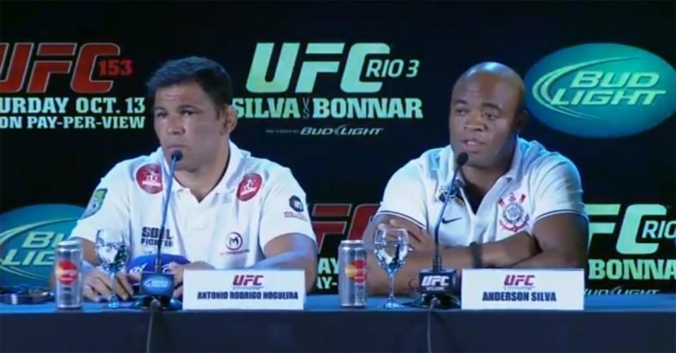Anderson Silva e Rodrigo Minotauro participam da coletiva do UFC Rio 3