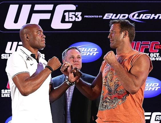 Anderson Silva e Stephan Bonnar se encaram na coletiva do UFC Rio