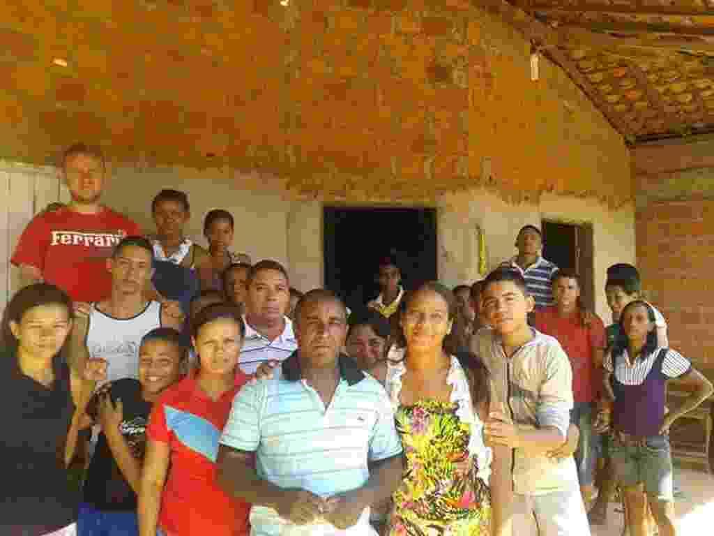 """Em Teresina, cerca de 120 pessoas estão em uma casa à espera do """"fim do mundo"""" nesta sexta-feira - Dulce Furtado /Portal AZ"""