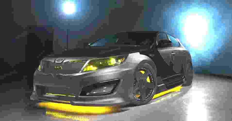 Kia Optima SX Limited Batman - Divulgação