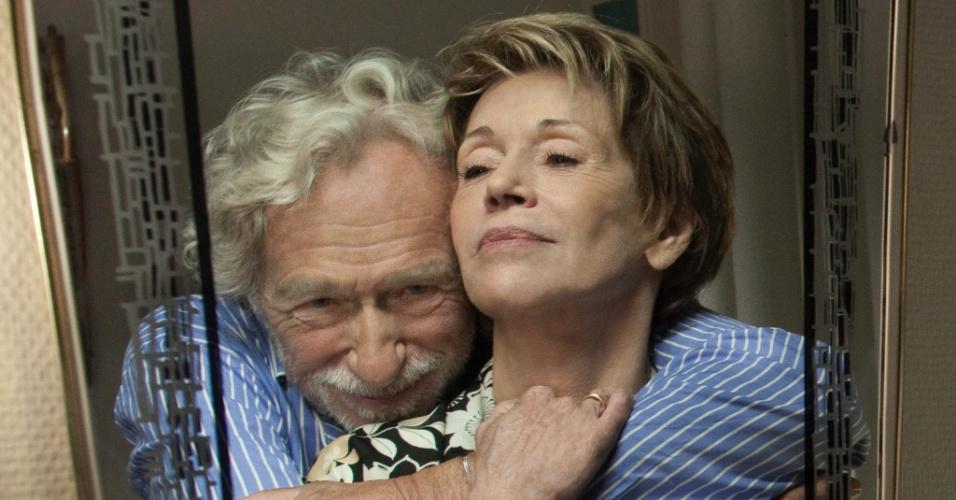 """Pierre Richard e Jane Fonda em cena de """"E se Vivêssemos Todos Juntos?"""", de Stéphane Robelin"""