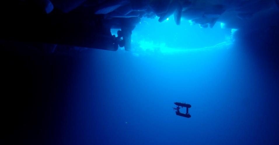 11.out.2012 - Robô submarino mapeia, pela primeira vez, vales e montanhas de gelo que ficam abaixo da superfície do mar da Antártica. Feita em 3D, a topografia invertida vai fornecer medidas precisas da espessura e do volume do gelo, o que pode ajudar a entender os efeitos do clima na região