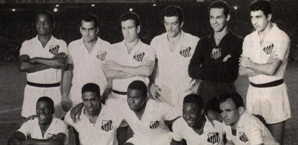 Santos campeão mundial de 1962 - Em pé: Lima, Zito, Dalmo, Calvet, Gilmar e Mauro; agachados: Dorval, Mengálvio, Coutinho, Pelé e Pepe