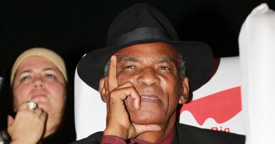 Antonio Pitanga acompanha cerimônia de premiação do Festival do Rio 2012 (11/10/12)