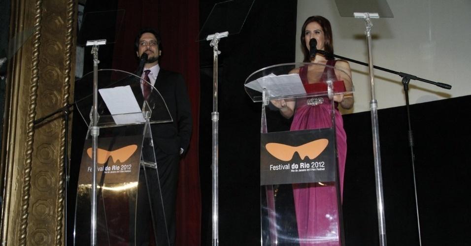 Lúcio Mauro Filho e Maria Clara Gueiros apresentam a cerimônia de premiação do Festival do Rio (11/10/12)