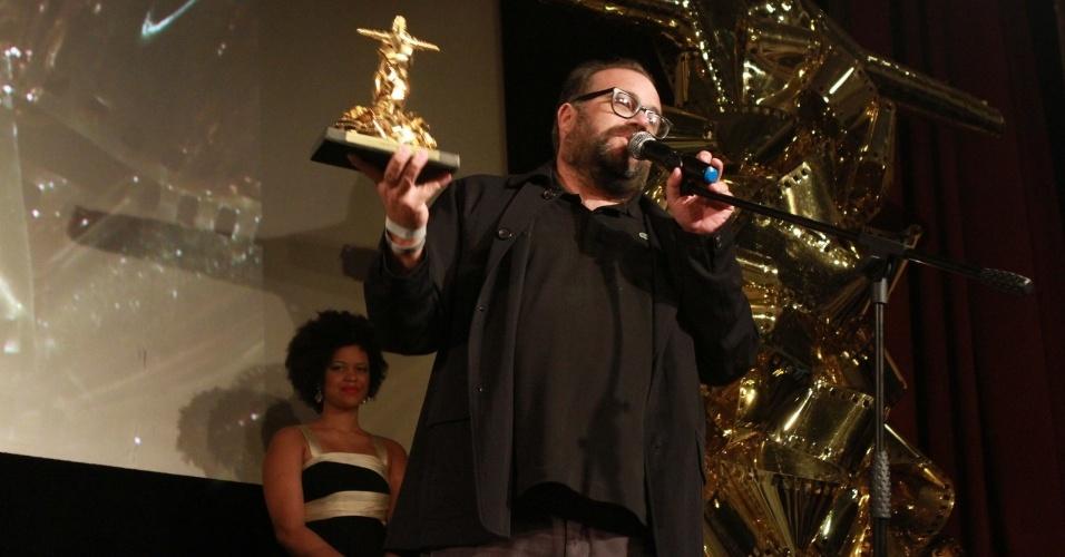 """Otávio Müller recebe o prêmio de melhor ator por """"O Gorila"""" no Festival do Rio. """"Personagem a gente não faz sozinho, toda a equipe me ajudou. Vou dedicar esse prêmio à minha família e à minha mulher. Eu nasci para ser ator"""", disse emocionado (11/10/12)"""