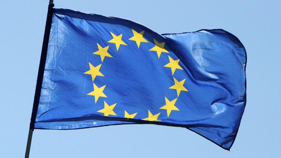 12.out.2012 - Bandeira da União Europeia - Jens Kalaene/AFP