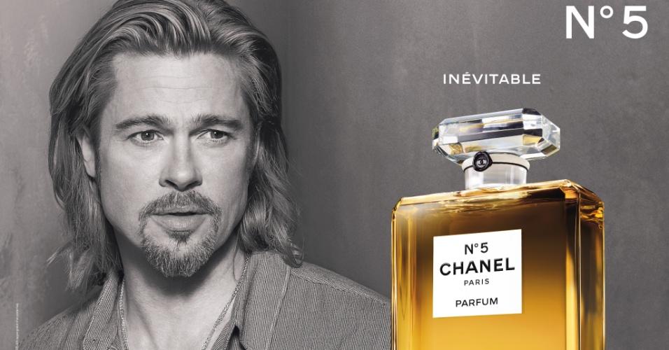 Outubro: Depois de muito mistério envolvendo a nova campanha de seu perfume mais clássico, a Chanel divulga a imagem que traz Brad Pitt como rosto da fragrância Nº5 - é a primeira vez que um homem é convocado para estrelar a divulgação de um perfume feminino. Antes dele, Catherine Deneuve (1968), Nicole Kidman (em vídeo de 2006 com Rodrigo Santoro como coadjuvante) e Audrey Tautou (2009) ocuparam o posto. A foto da campanha é de Steven Klein