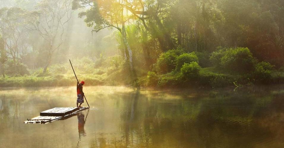 15.out.2012 - Com ?Manhã em Situ Gunung?, o indonésio Michael Theodric, de 14 anos, conquistou o terceiro lugar