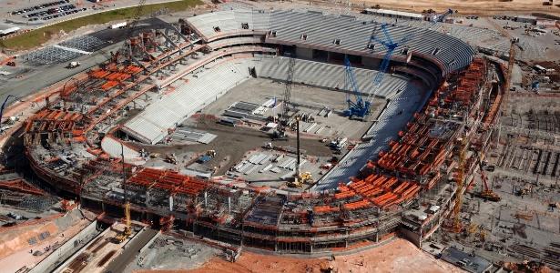 Com 64% das obras concluídas, a Arena Pernambuco parte para a instalação de cobertura