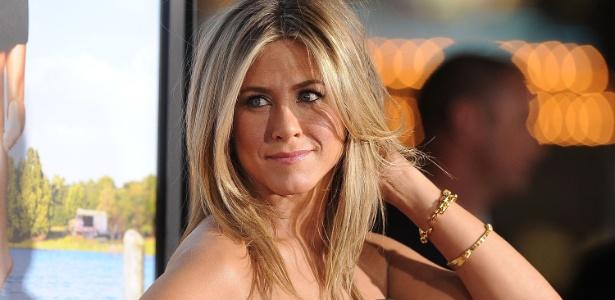 Jennifer Aniston, que já é porta-voz de marca para os cabelos, agora é rosto de produtos para a pele - Getty Images