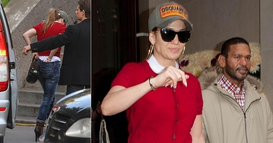 A cantora Jennifer Lopez é fotografada ajustando a calcinha ao sair de carro, em passagem por Paris, na França (16/10/12)