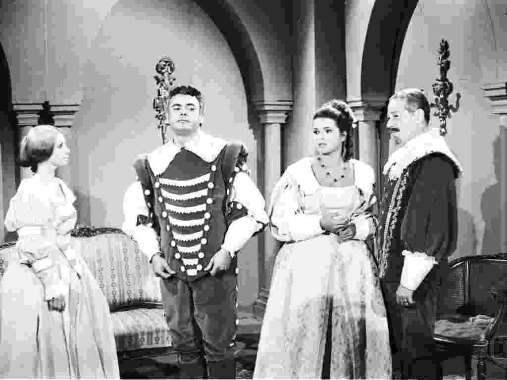 """Aracy Cardoso, Edson França e Leila Diniz em cena da novela """"Anastácia, Mulher Sem Destino"""" (1967) - Divulgação/TV Globo"""