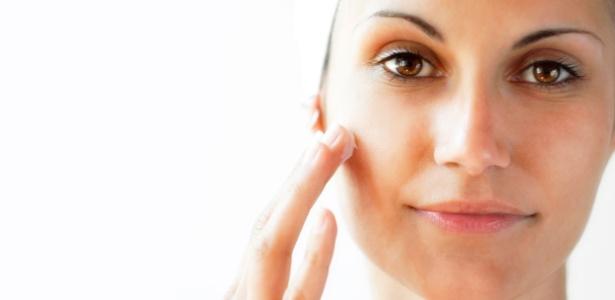 Ácidos como o retinoico, salicílico, glicólico e ferúlico possuem ações diferentes na pele; veja abaixo as explicações e indicações dos especialistas - Thinkstock