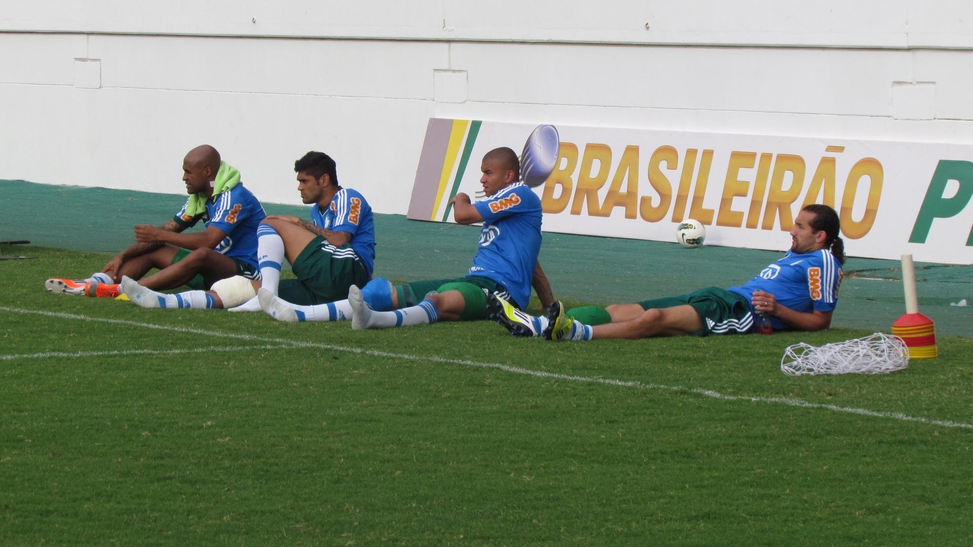Marcos Assunção, Luan, Maurício Ramos e Barcos foram poupados do rachão