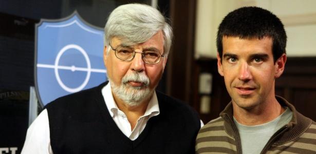 O remador  Rodolfo Collazo (d.) vai ajudar na reabilitação de presos por meio do esporte no Uruguai - EFE/Iván Franco