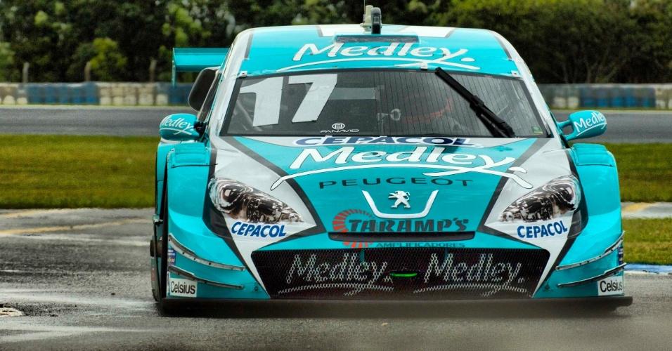 Rubens Barrichello participa de seu primeiro treino oficial na Stock Car, em Curitiba (19/10/2012)