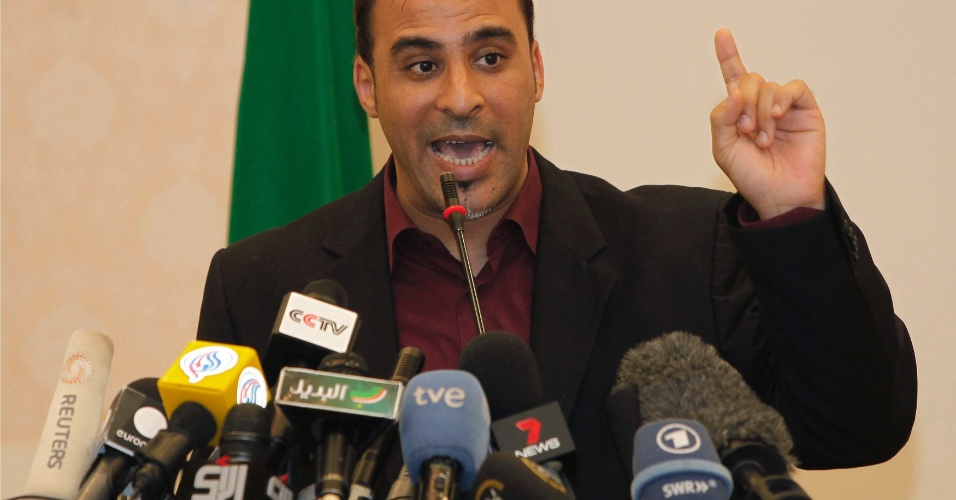 20.out.12 - Foto de março de 2011 mostra Mussa Ibrahim, então porta-voz do governo líbio, em entrevista coletiva em Trípoli. Ele foi detido neste sábado (20) na cidade de Tarhuna, 90 quilômetros ao sudeste de Trípoli, informou um dos dirigentes rebeldes da região, Ahmed al Amin