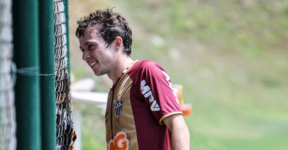 Bernard foi poupado do treino recreativo deste sábado no Atlético-MG (20/10/2012)