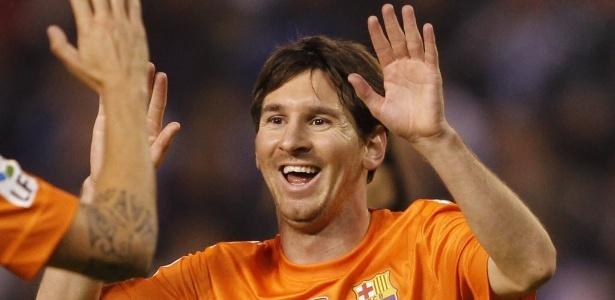 Lionel Messi comemora gol marcado pelo Barcelona na partida contra o La Coruña