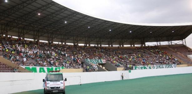 Estádios de Presidente Prudente e Araraquara (foto) são candidados a palco do jogo