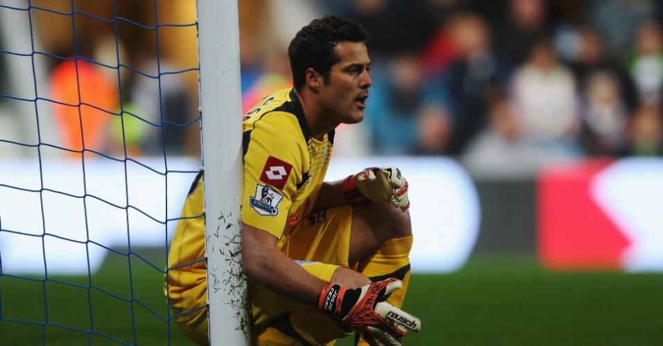 Goleiro brasileiro Julio Cesar marcou gol contra no empate do QPR com o Everton pela 8ª rodada do Campeonato Inglês