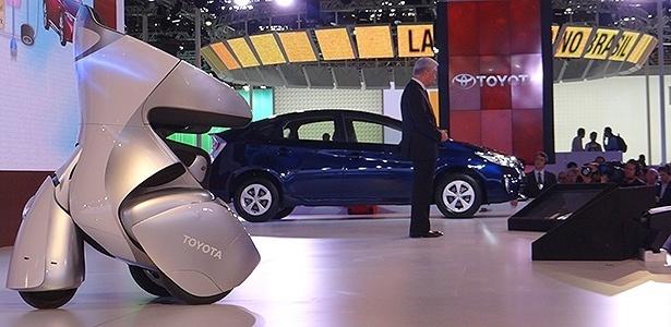 """No estande da Toyota, """"cadeira de três rodas"""" e híbrido Prius a R$ 120 mil são atrações  - André Deliberato/UOL"""