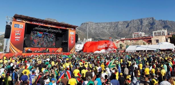 Fan Fest é evento oficial da Fifa; outros também têm que seguir regras da entidade