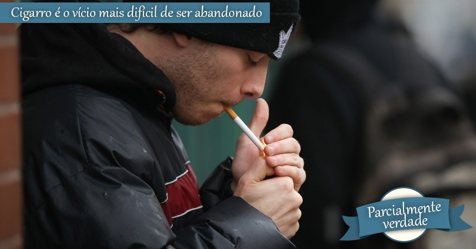 mitos e verdades, homem fumando no canadá