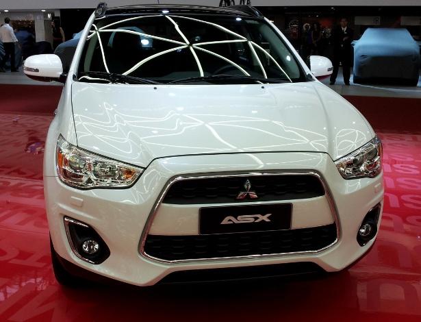 Mitsubishi ASX 2013: modelo muda pouco e mantém-se na briga dos jipinhos urbanos - Eugênio Augusto Brito/UOL