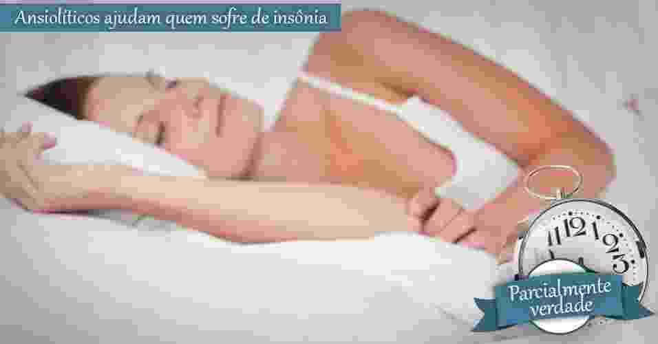 mulher dormindo, insônia, despertador - Shutterstock
