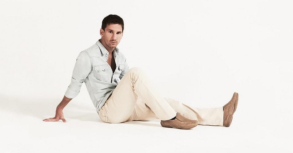 O atacante Lionel Messi posou para a nova campanha Primavera/Verão da Stork Man, famosa grife argentina de sapatos