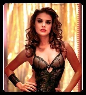 Paloma Bernardi divulga foto caracterizada como seu novo papel em
